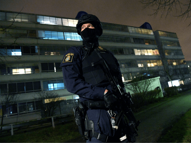 Sweden: Teen Caught with Large Bomb Claims He Thought It Was Drugs