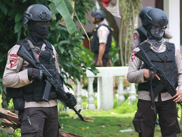 Indonesia to Deploy 200,000 Police to Defend Christmas from Islamic Attacks
