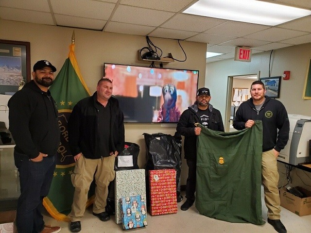 Border Patrol Charity Gathers Christmas Gifts for Children of Fallen Agents
