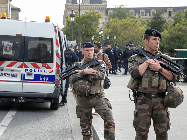 Paris Police Shoot Knifeman Who Stabbed Three, Killed One