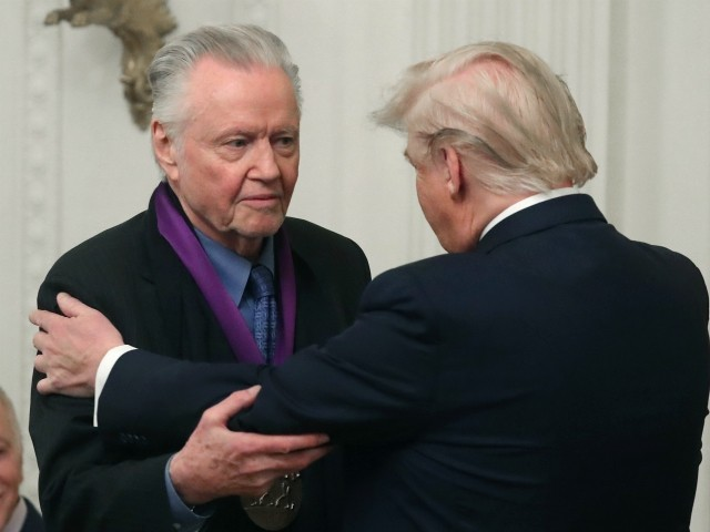 Jon Voight Endorses Netanyahu, Hails Trump's 'Responsible' Peace Plan