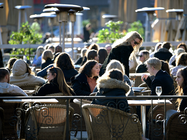Sweden: Cafes, Restaurants, Etc. Remain Open, Gatherings of 50 Allowed