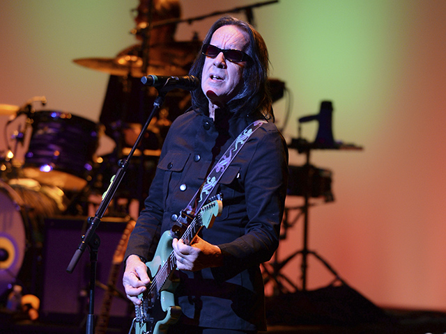 Rockers Todd Rundgren, Joe Walsh, Daryl Hall Team Up to Get 'Maniac' Trump Out of Office
