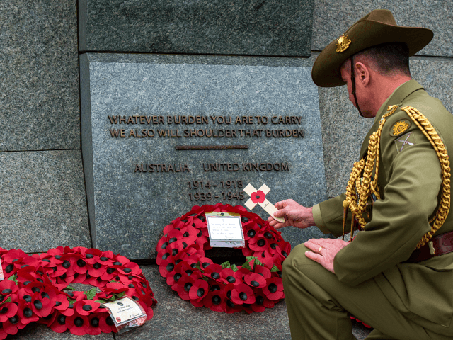 Australia and New Zealand Mark ANZAC Day in Coronavirus Isolation
