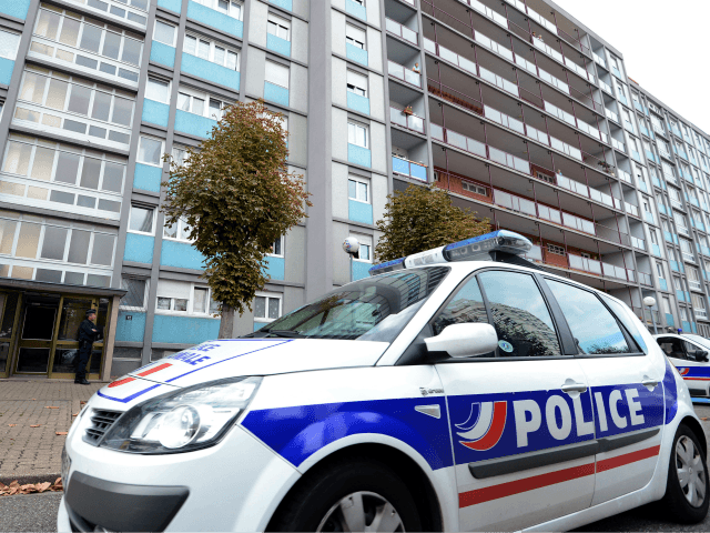 Chechen Migrant Drags French Policeman Over 60 Feet to Escape Virus Check