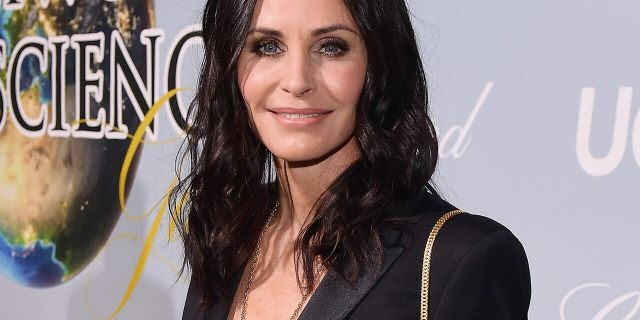 Courteney Cox attends the UCLA IoES honors Barbra Streisand and Gisele Bundchen at the 2019 Hollywood for Science Gala on February 21, 2019 in Beverly Hills, Calif.