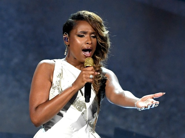 Jennifer Hudson Sings at DNC, But Trump Took in Her Family Following Mother and Brother's 2008 Murder