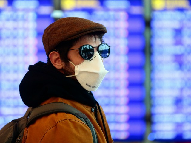 Poll: Majority of U.S. Air Travelers Uncomfortable Flying in Coronavirus Era