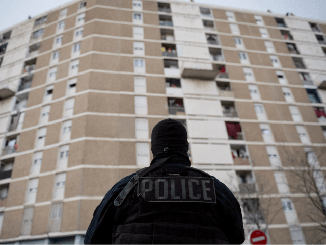 French Police Catch Pregnant 13-Year-Old Migrant Pickpocket