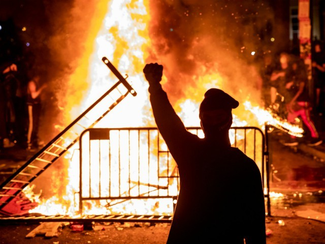 Cities Across U.S. Boarding Up in Anticipation of Election Night Riots