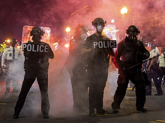14 DC Police Officers Injured During Wednesday Riots -- One Lost Eyesight