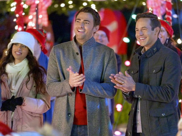 'Mean Girls' Actor Jonathan Bennett 'Proud' to Be First Gay Protagonist of Hallmark Christmas Movie