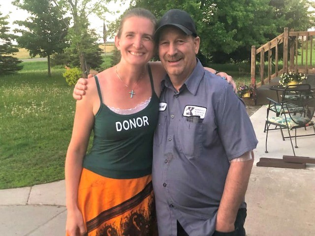 Teacher Saves Janitor's Life by Donating Kidney