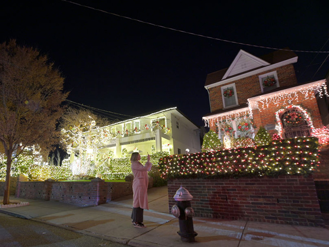Minnesota Resident's Christmas Display Chastised for 'Harmful Impact'