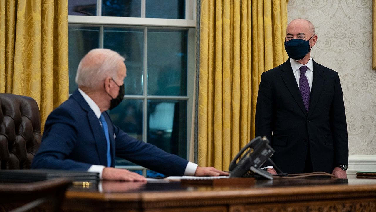 Biden immigration orders raise COVID-19 concerns at the border