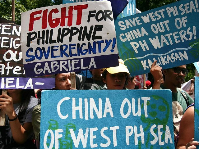 Poll: 84% of Philippines Supports Challenging China in South China Sea, Contra Duterte