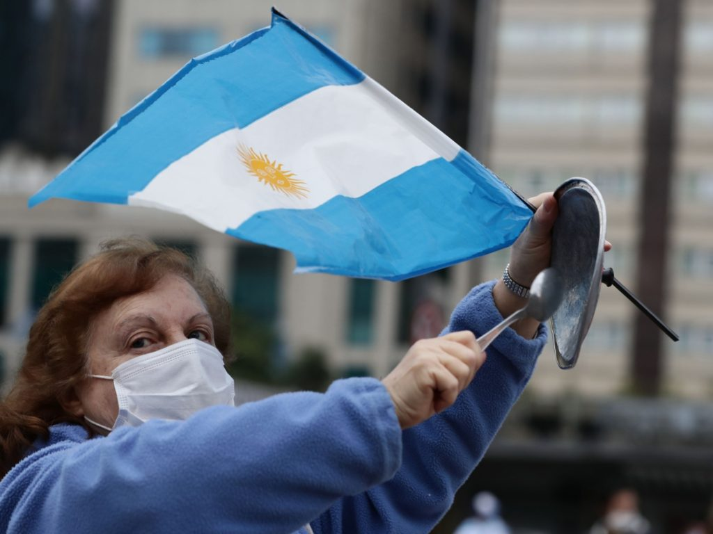 Argentines Bang Pots to Drown out Socialist President amid Vaccine Scandal