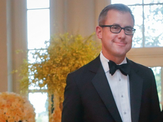"On Thursday's ""CNN Newsroom,"" CNN Chief National Affairs Correspondent Jeff Zeleny said that the White House is ""hiding behind the rules of COVID"" to deny media access to facilities on the border, but whether the media is let in is"