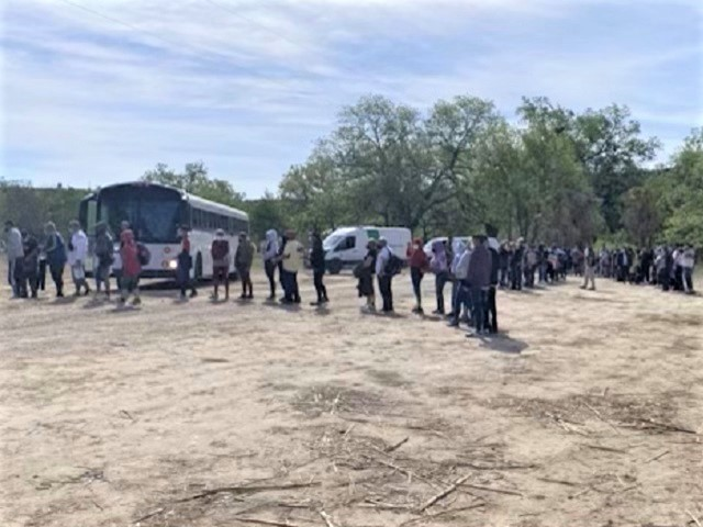 900 Venezuelan Migrants Apprehended in West Texas Border Sector Since April 16