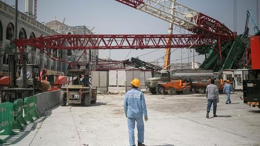 Mobile Crane Near Me : Saudi state taking control of binladin construction giant