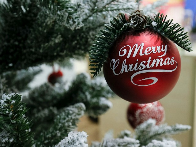 Muslim Social Media Users Debate Whether Christmas Greetings Are Allowed Under Islam