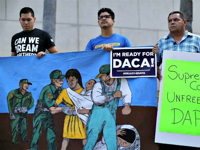 Poll: Support to Shut Down Gov't Over DACA Amnesty Collapses to Less than 35 Percent Among Democrats