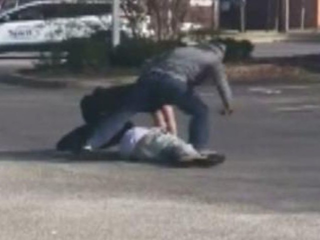 Watch: Homeless Man Comes to the Rescue of Police Officer, Tackles Suspect