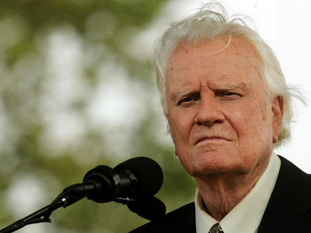 Exclusive: Christian Leaders Praise Billy Graham and Explain the Gospel He Preached
