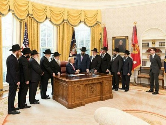 Chabad Rabbis Meet with Trump in Oval Office