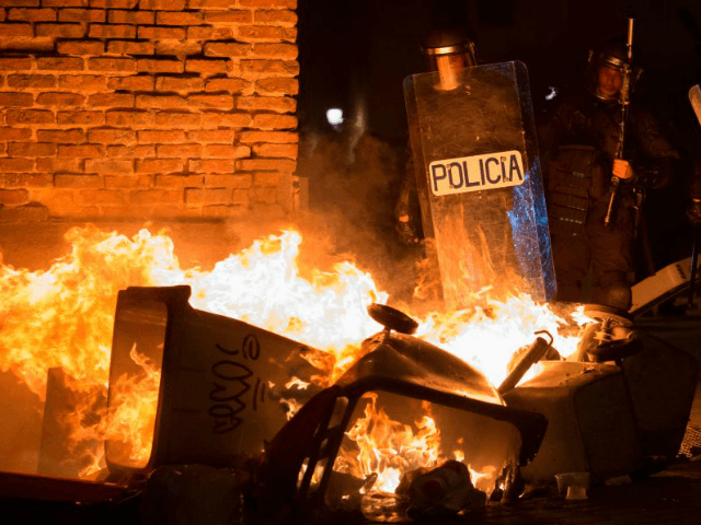PICS: Anti-Police Riots in Madrid After African Street Vendor Dies of Cardiac Arrest