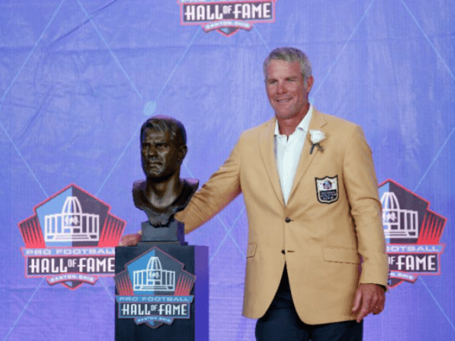 NFL Great Favre Fears 'Thousands' of Concussions