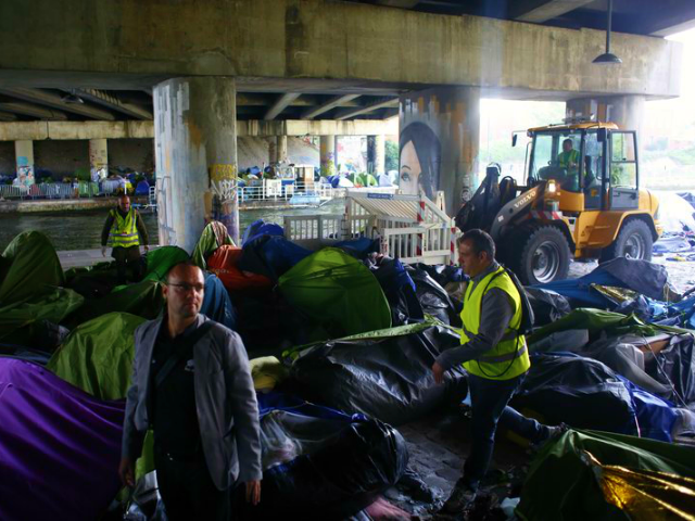 Paris Police Clear Out City's Largest Illegal Migrant Camp