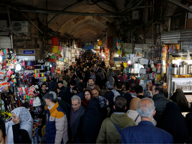 Report: Protesters Swarm Iran's Grand Bazaar in Tehran