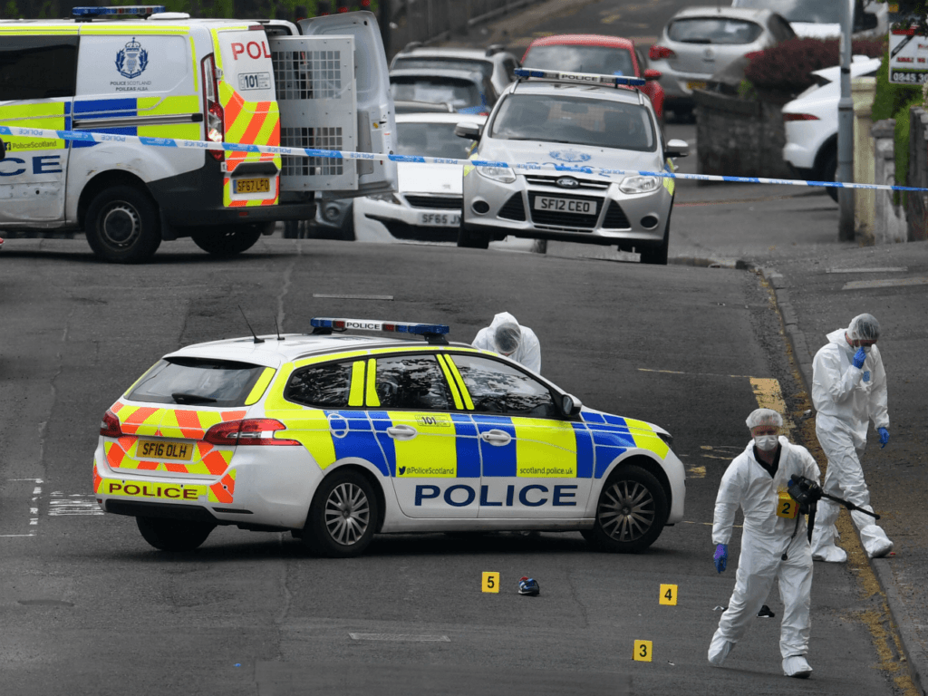 UK: Two Police Officers in 'Serious Condition' After Alleged Knife Attack