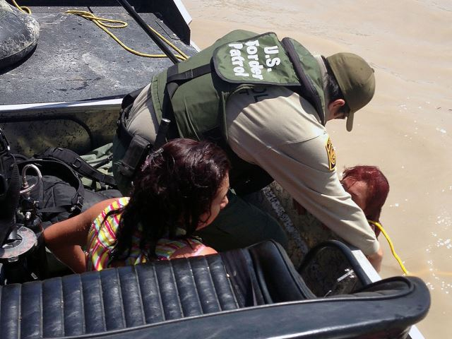 Border Patrol Agents Rescue Pregnant Migrant from Rio Grande