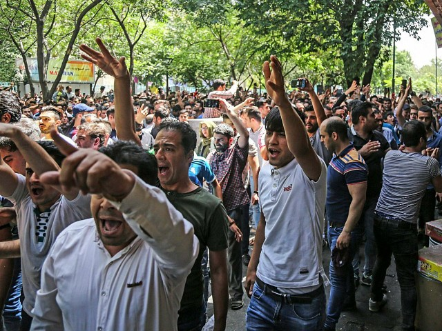 Iran: Prosecutor Says Protesters in Grand Bazaar May Face Execution