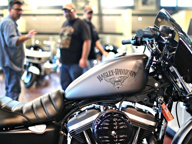 Harley-Davidson to Outsource More U.S. Manufacturing Jobs, Trump Calls Move 'Excuse'