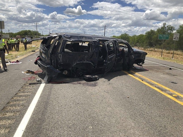 Human Smugglers Kill 5 Migrants in Texas Rollover Crash