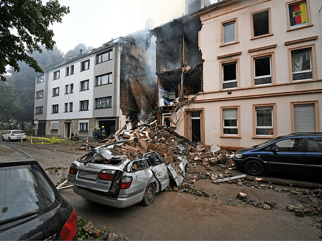 Explosion Destroys Apartment Block in Germany, 25 Injured