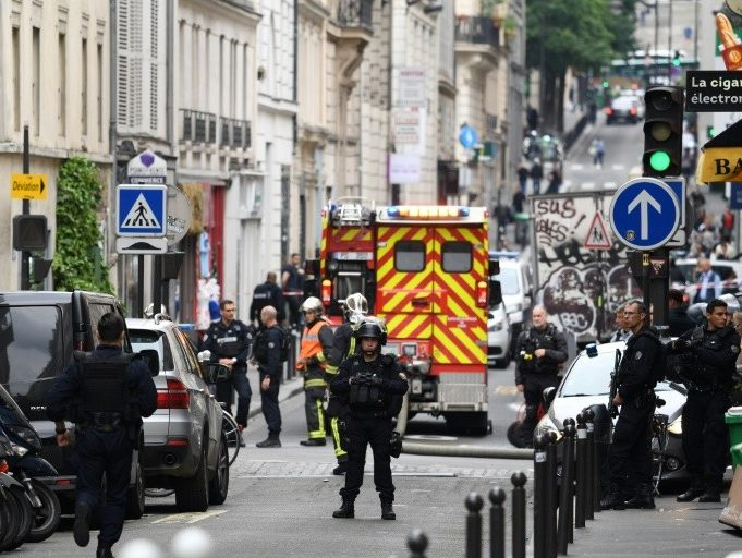Paris Hostage Taker: Moroccan Origin Knife Attacker Transferred to Psychiatric Hospital