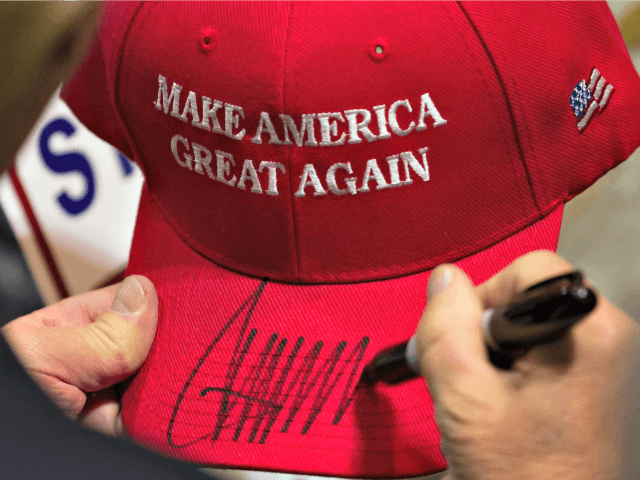 Donald Trump Proposes Cash Green Campaign Hats for 2020