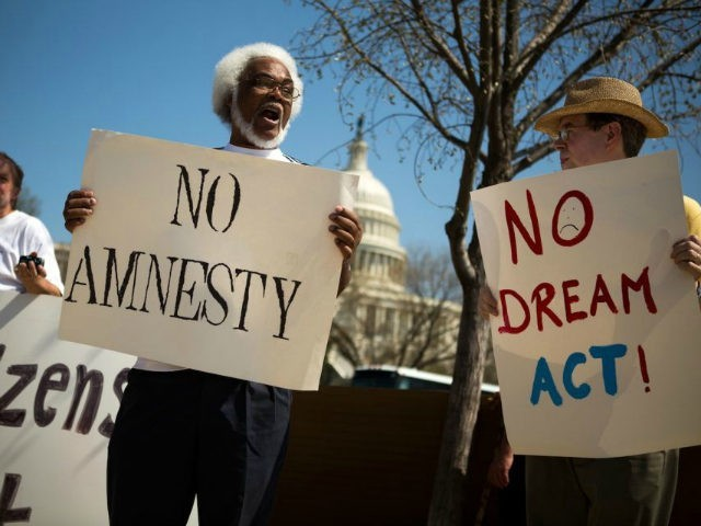 More than 4-in-9 Black Americans in Swing Districts Say Immigration Has Made Life 'Worse'