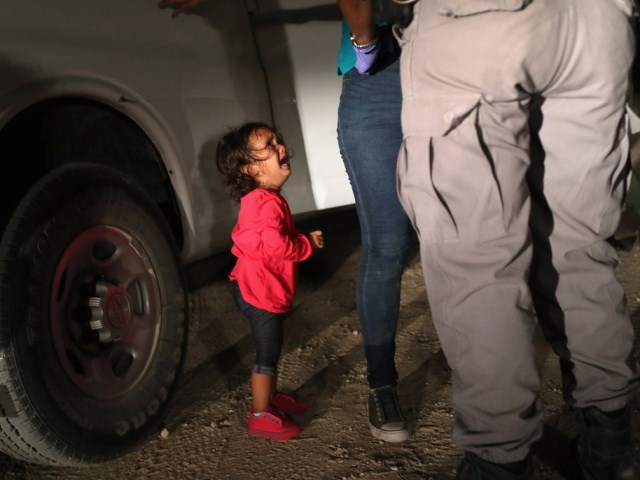 Fake News: Iconic Crying Migrant Girl Was Never Separated from Mother, Says Father