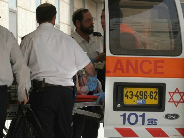 Palestinian Terrorist Stabs 3 Israelis Entering West Bank Jewish Community
