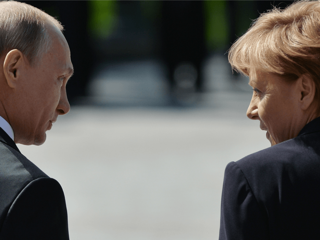 Merkel: Meetings Between Trump and Putin Should be 'Normal'