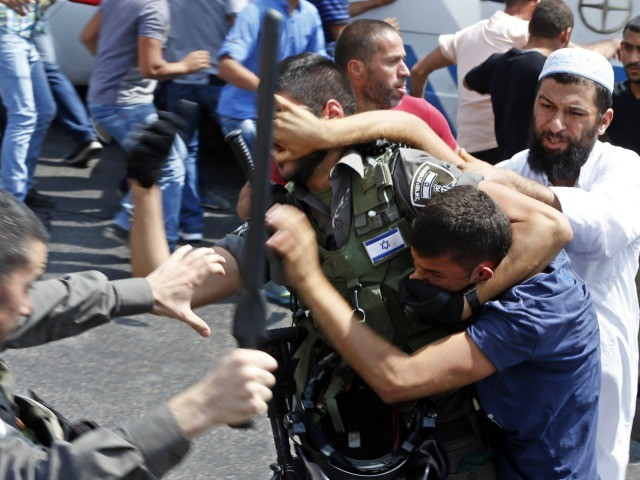 Palestinians Instigate Violence on Temple Mount Following Friday Prayers