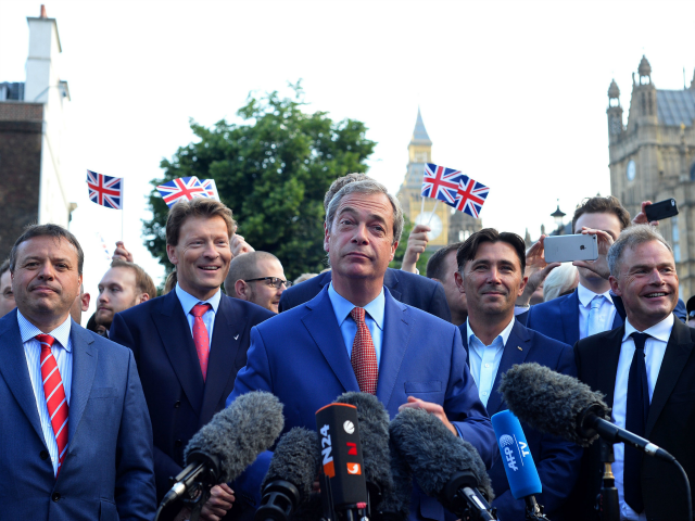 'I'm Back' – Farage Returns to Frontline to Fight Establishment's Brexit 'Sell-Out'