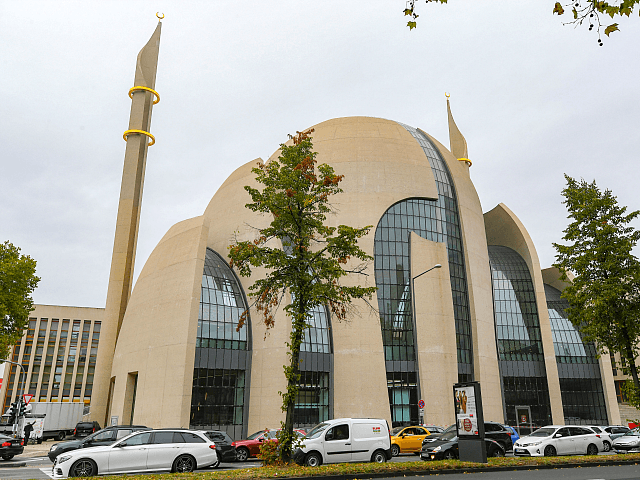 Erdogan Opens Mega Mosque Funded by Turkish Govt in Cologne, Germany