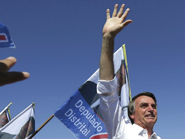 Brazil: Bolsonaro Gains 6 Points with Women After Claim He Threatened to Kill Ex-Wife