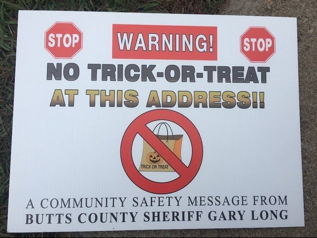 Sheriff Puts 'No Trick-or-Treat' Signs at Homes of Sex Offenders